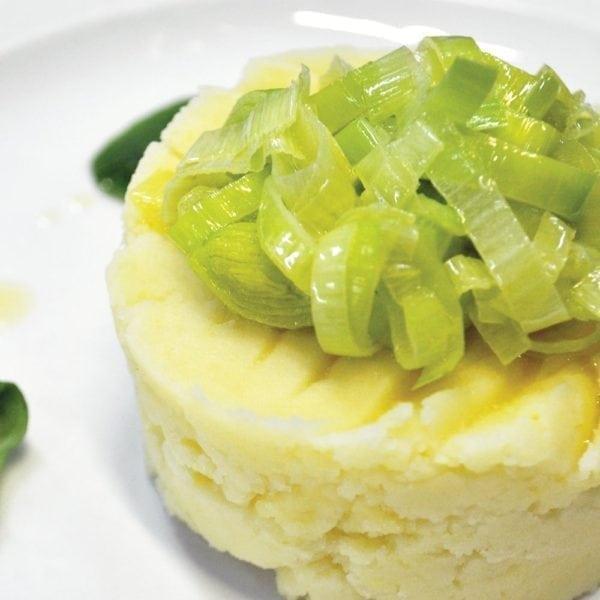 Пюре из цветной капусты с луком «Порей»