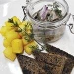 Сельдь c дымком и обжаренным картофелем | Smoky herring with sauteed potatoes