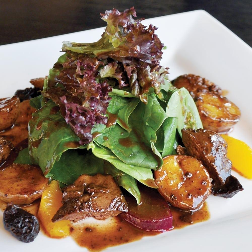 Теплый салат с куриной печенью   Warm salad with chicken livers