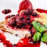 Горячие блинчики с сыром маскарпоне и ягодами | Hot pancakes with mascarpone cheese and berries