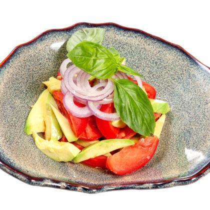 Салат из помидоров и авокадо   Tomato and avocado salad