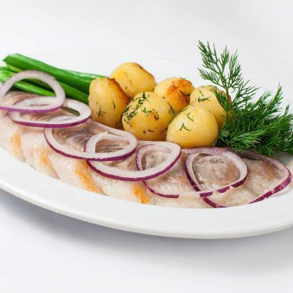 Сельдь с обжаренным картофелем | Herring with fried potatoes