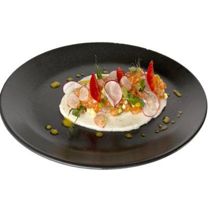 Тартар из лосося и креветок / Salmon and shrimp tartare